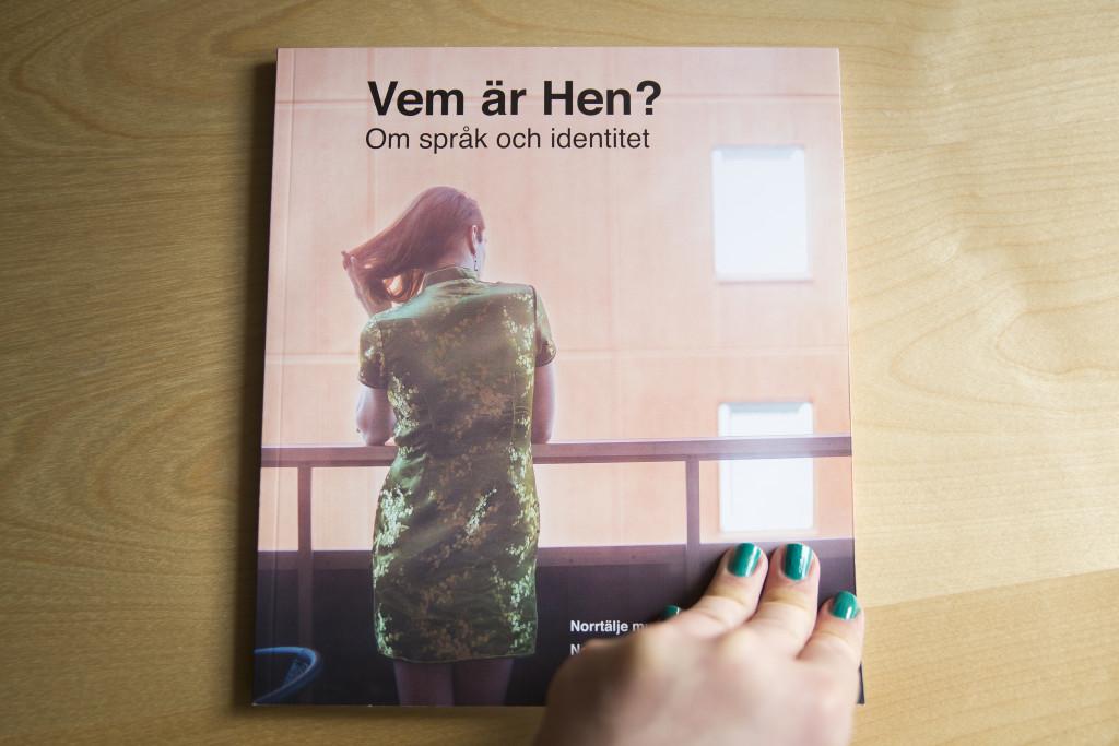 Hen_TheBook